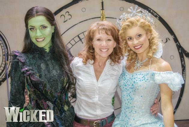 Laura Emmitt (Elphaba), Bonnie Langford, Carina Gillespie (Glinda)