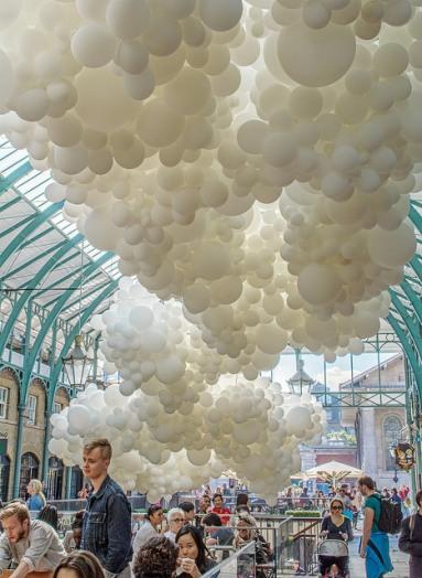 Heartbeat, installation by Charles Pétillon, Covent Garden U.K.