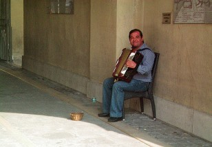 accordian player, Nice France